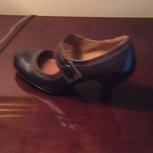 Brown Mary Jane pumps